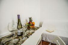 Appartamento a Sorrento - Appartamento Daniela, Monolocale Piazza Tasso con Aria Condizionata, WI-FI e Ascensore