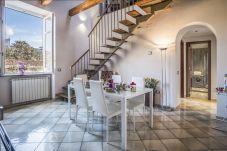 Appartamento a Sorrento - Appartamento Caruso in Piazza Tasso con Aria Condizionata, WI-FI e Parcheggio privato