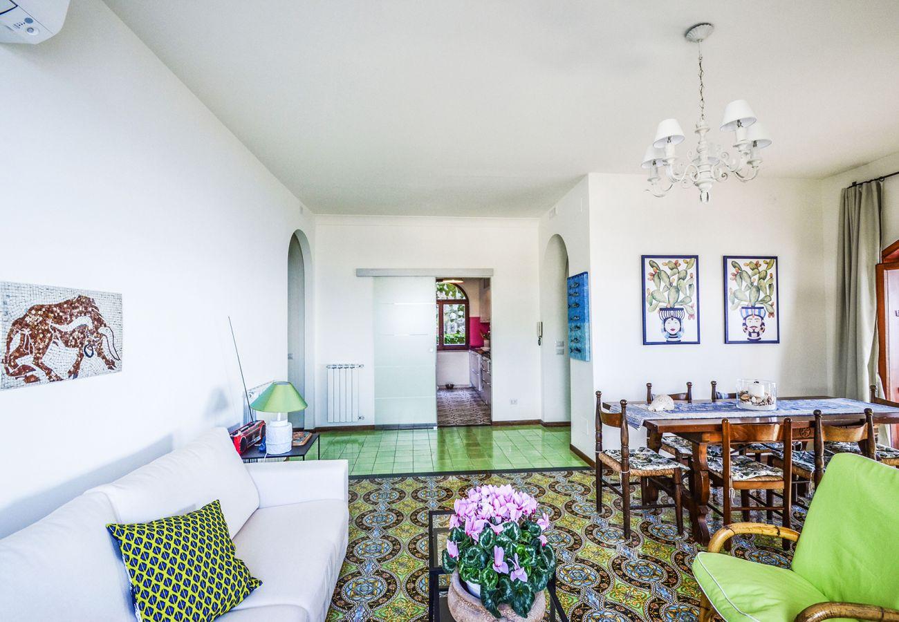 Casa a Massa Lubrense - Casa Marisa con Vista Mare, Terrazza e Parcheggio