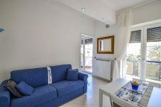 Appartamento a Sorrento - Appartamento Sunny con Aria Condizionata, WI-FI e Balcone nel pieno Centro di Sorrento
