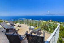 Casa a Sorrento - Casa Augusta B con Terrazza Privata, Barbecue, Vista Mare e Parcheggio