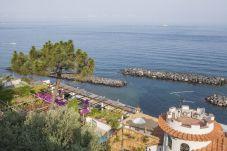 Villa a Massa Lubrense - Villa Acquamarina con Piscina Privata, Vista Mare, Discesa Diretta al Mare e Parcheggio