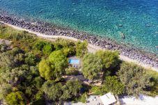 Villa a Massa Lubrense - Villa Ofelia con Piscina Privata, Giardino e Discesa Diretta al Mare
