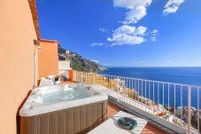 Casa a Positano - Casa Bluedream con Vista Mare, Terrazza e Jacuzzi a Positano