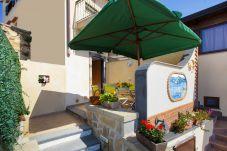Casa a Termini - Casa Elvy con Terrazzi, Vista Mare e Parcheggio