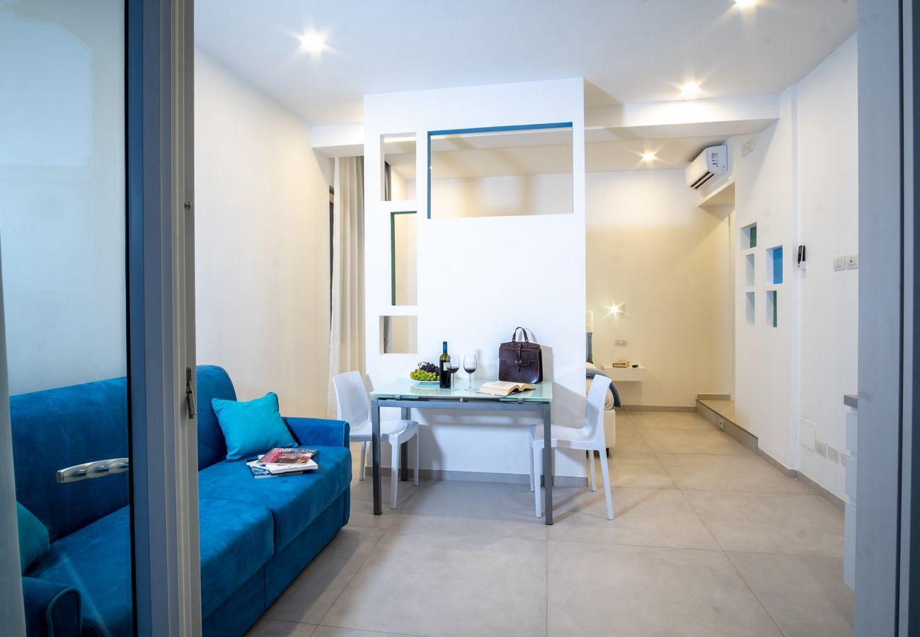Appartamento a Sorrento - Appartamento Leone Rosso con Terrazza Privata, Aria Condizionata e Internet WiFi