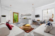 Appartamento a Sorrento - Appartamento Sorrento Suite de Charme 1 con Terrazza, Giardino, Aria Condizionata e Internet Wi-Fi