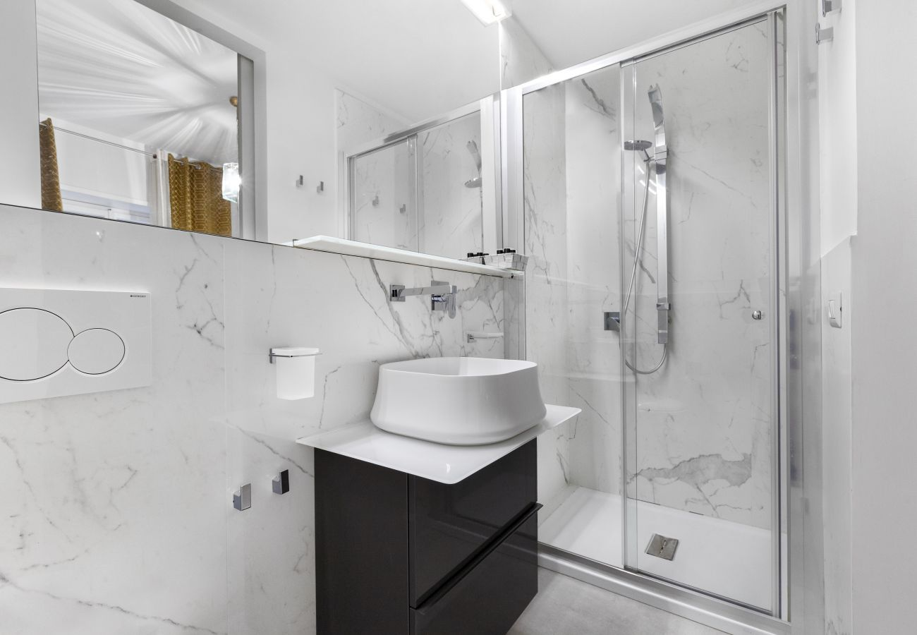 Appartamento a Sorrento - AMORE RENTALS - Appartamento Sorrento Suite de Charme 2 con Terrazza, Aria Condizionata e Internet Wi-Fi