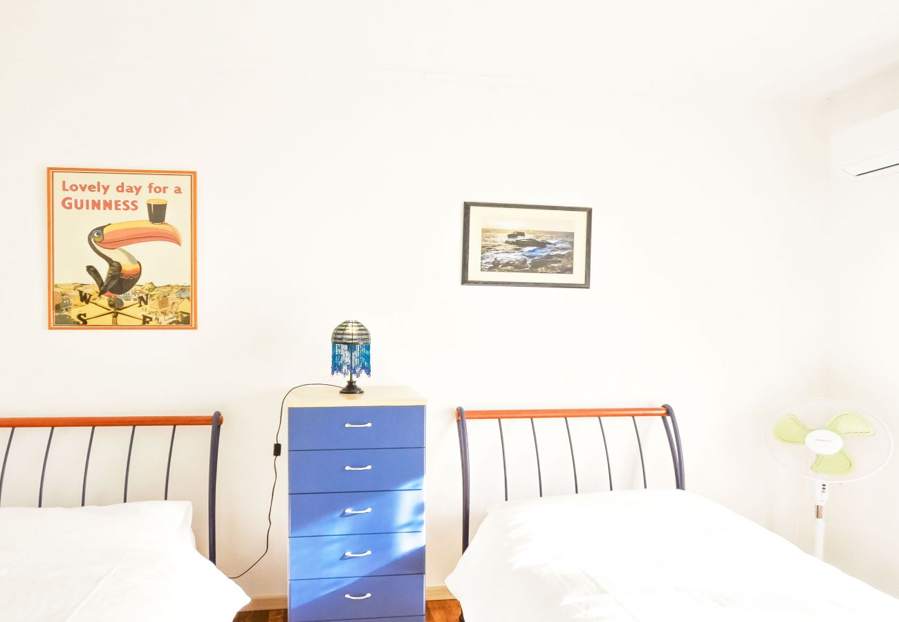 Apartment in Sorrento - Sorrento Sunset Flat with Sea View, Private Terrace, Parking and Air Conditioning