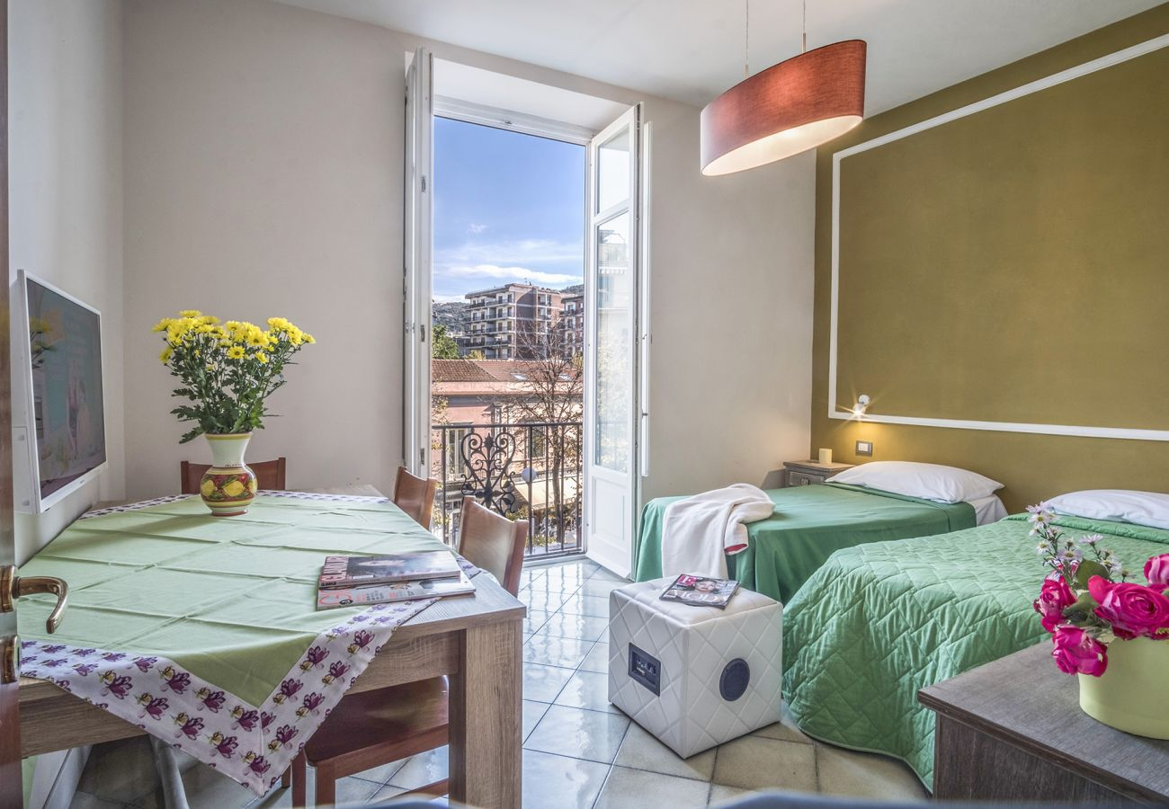 Apartment in Sorrento - Apartment Caruso in Piazza Tasso with Air Conditioning, WI-FI and Private Parking