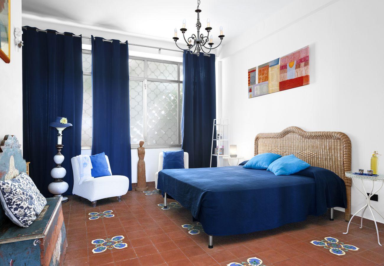 Villa in Sorrento - Villa La Selva with Sea View, Private Terrace and Parking