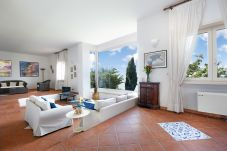 Villa in Sorrento - Villa La Selva with Sea View, Private Terrace and Parking