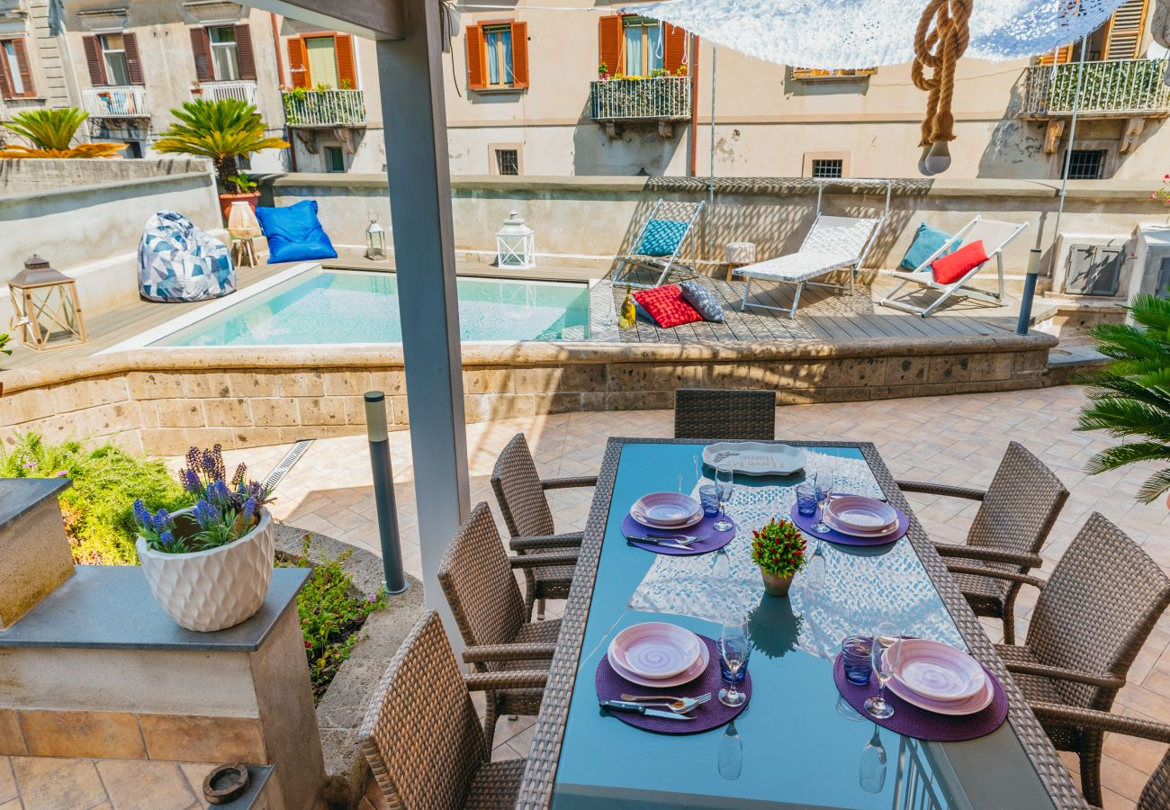 Villa in Sant´Agnello - Villa Totti with Private Pool, Garden, Parking and Elevator