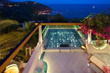 Villa in Nerano - Villa Ariadne 1 with Dazzling Sea View, Jacuzzi, Pool and Breakfast