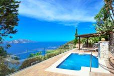 Villa in Termini - Villa Bacco with Private Swimming Pool, Sea View, Parking, Romantic