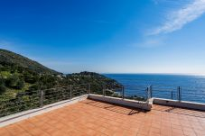 Villa in Nerano - Villa Gea with Sea View and Parking near the Beach