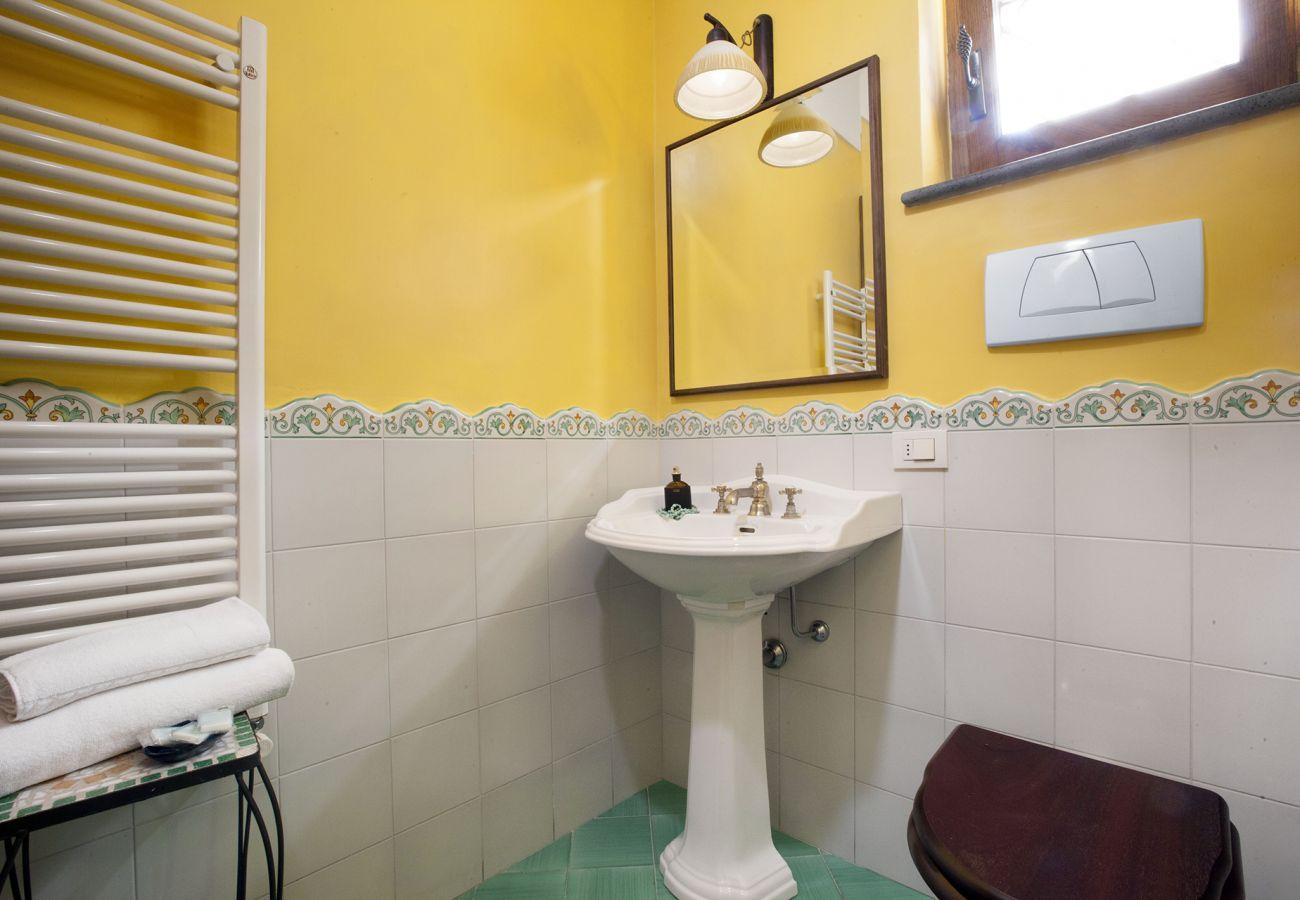 Villa in Sant´Agata sui Due Golfi - Villa Il Pino with Private Pool, Garden, BBQ, Parking
