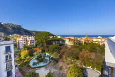 Apartment in Sorrento - Studio Apartment Cuore with Air Conditioning, Private Balcony and Shared Pool