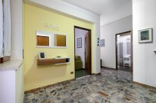 Apartment in Sorrento - Apartment Degli Aranci, Air Conditioning, Heating, WI-FI,Town Centre