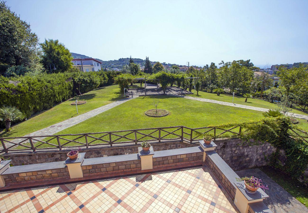 Villa in Sant´Agata sui Due Golfi - AMORE RENTALS - Villa Il Noce with Private Pool, SPA, Garden, BBQ and Parking