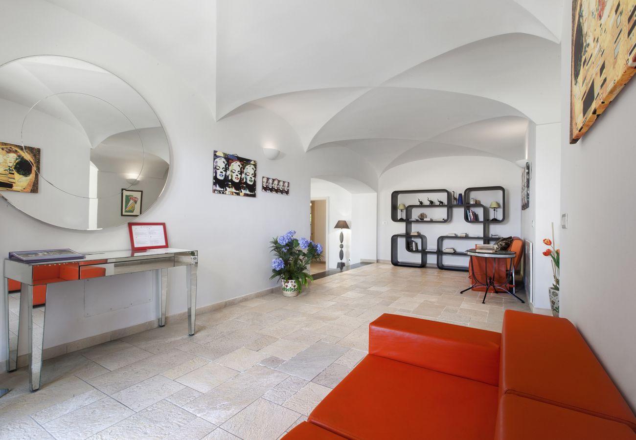 Villa in Sant´Agata sui Due Golfi - Villa Il Noce with Private Pool, SPA, Garden, BBQ and Parking