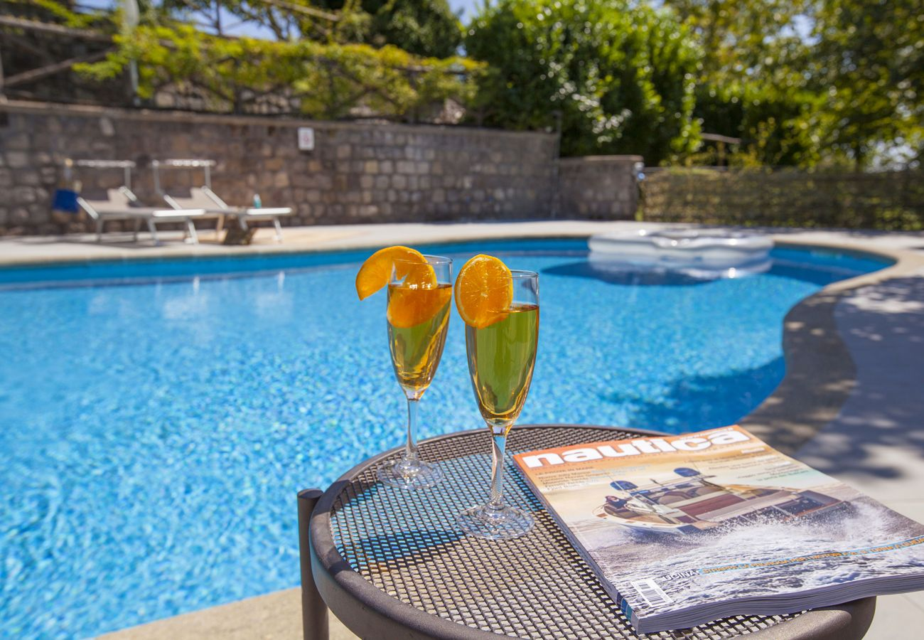 Residence in Sant´Agata sui Due Golfi - Residence Bosco with two swimming pools, large gardens, parking, ideal for families and events