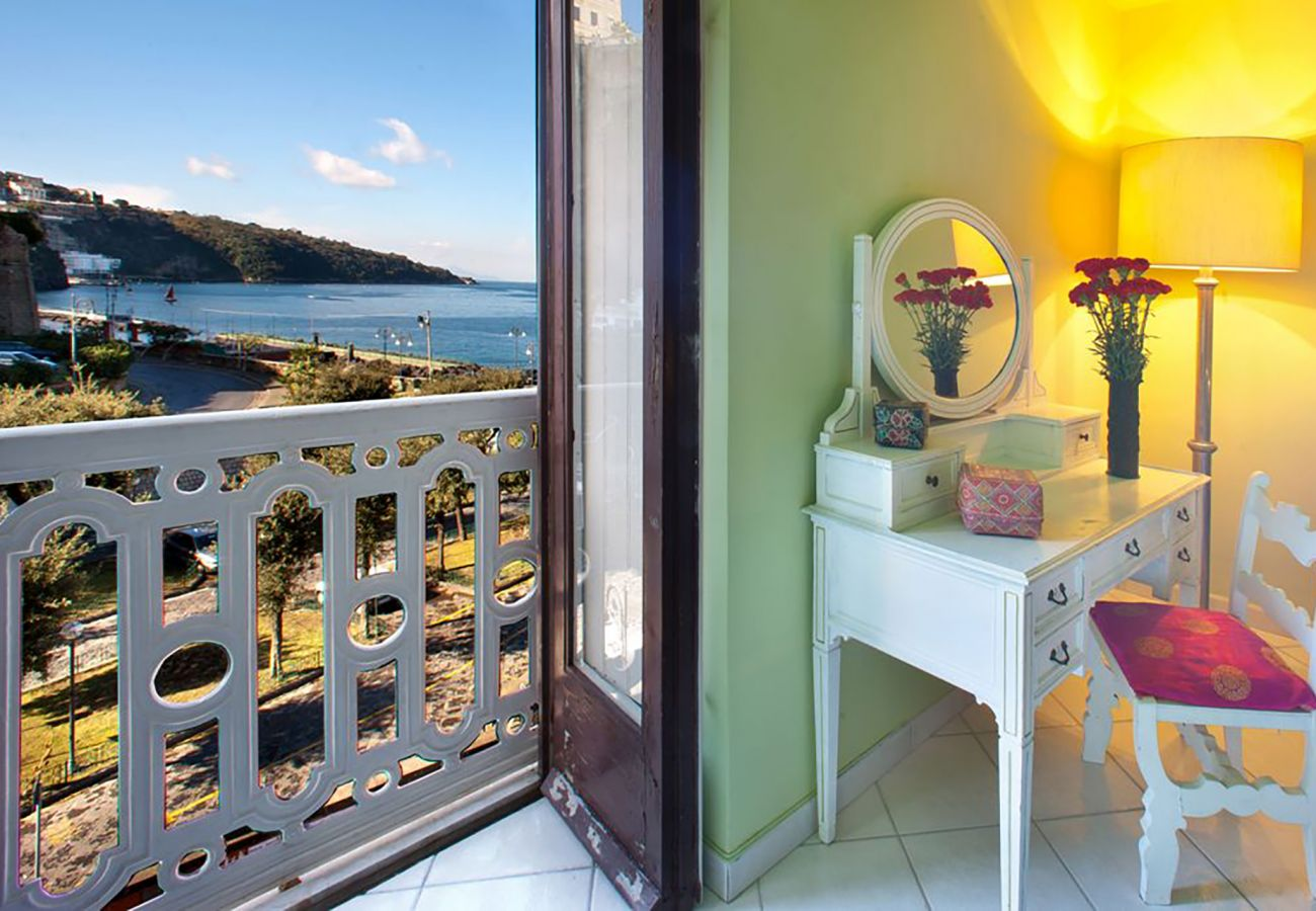 Apartment in Sorrento - AMORE RENTALS - Apartment Porto B with Sea View, Near the Sea