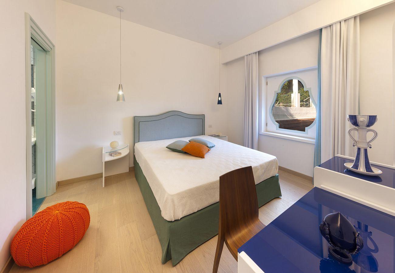 Villa in Nerano - Villa Giove 1 with Swimming Pool, Sea View, Jacuzzi, Breakfast and Parking Near the Sea