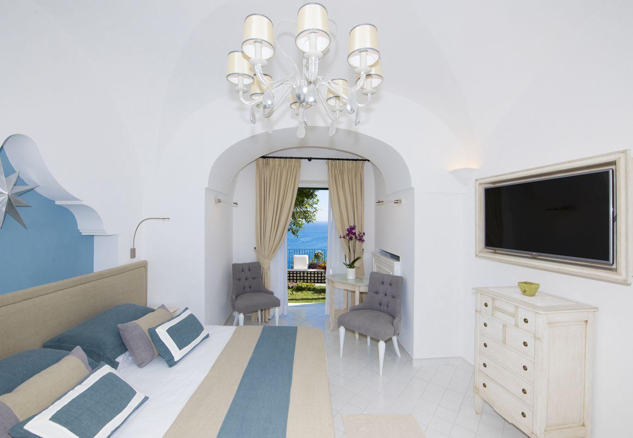 Villa in Positano - AMORE RENTALS - Villa Mimosa with Private Pool, Sea View, Air Conditioning, Positano Center