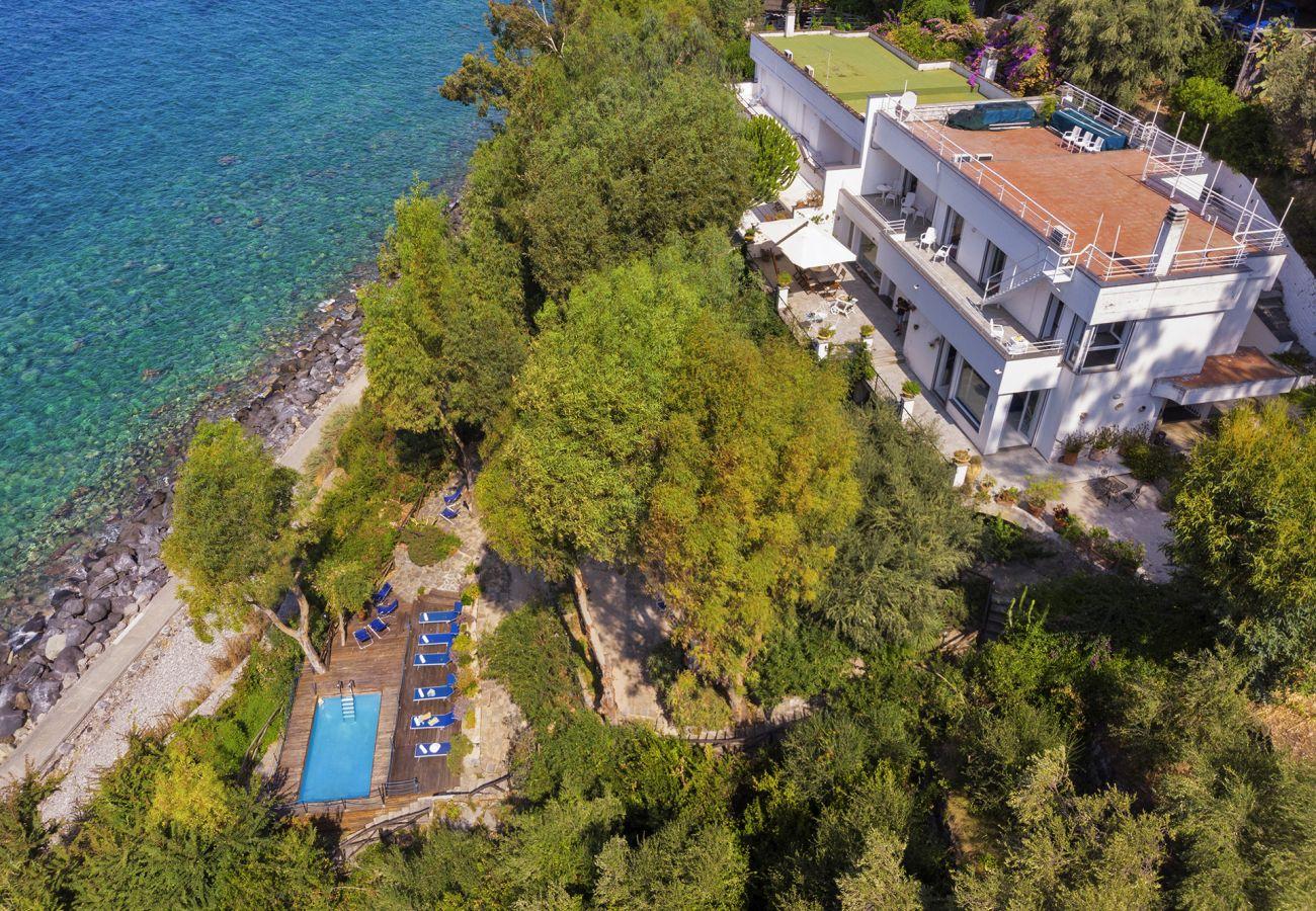 Villa in Massa Lubrense - AMORE RENTALS - Villa Ofelia with Private Pool, Garden and Direct Access to the Sea