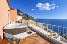 House in Positano - Casa Bluedream with Sea View, Terrace and Jacuzzi in Positano