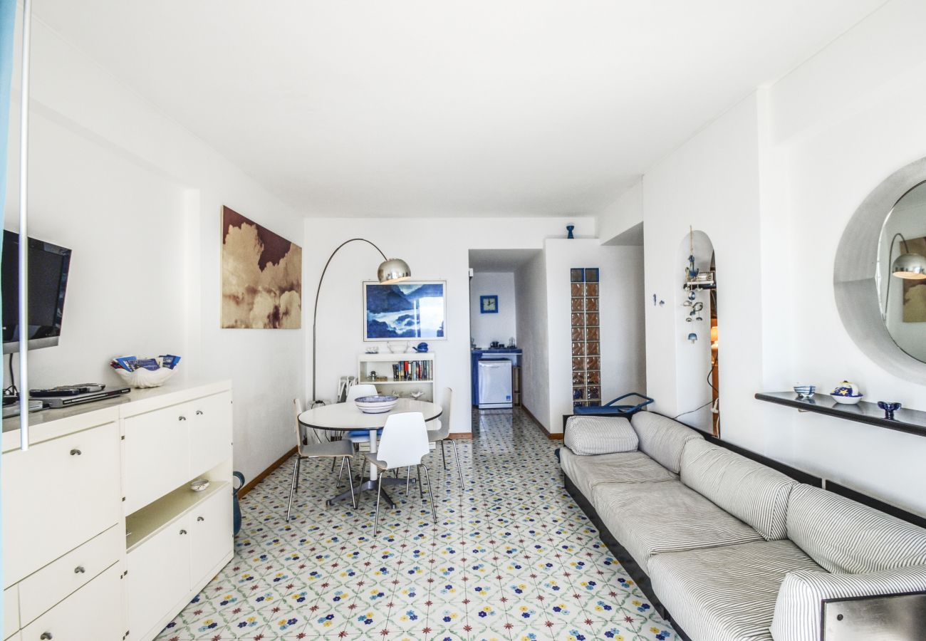 House in Praiano - AMORE RENTALS - Casa Giosy with Sea View, Parking and Direct Sea Access