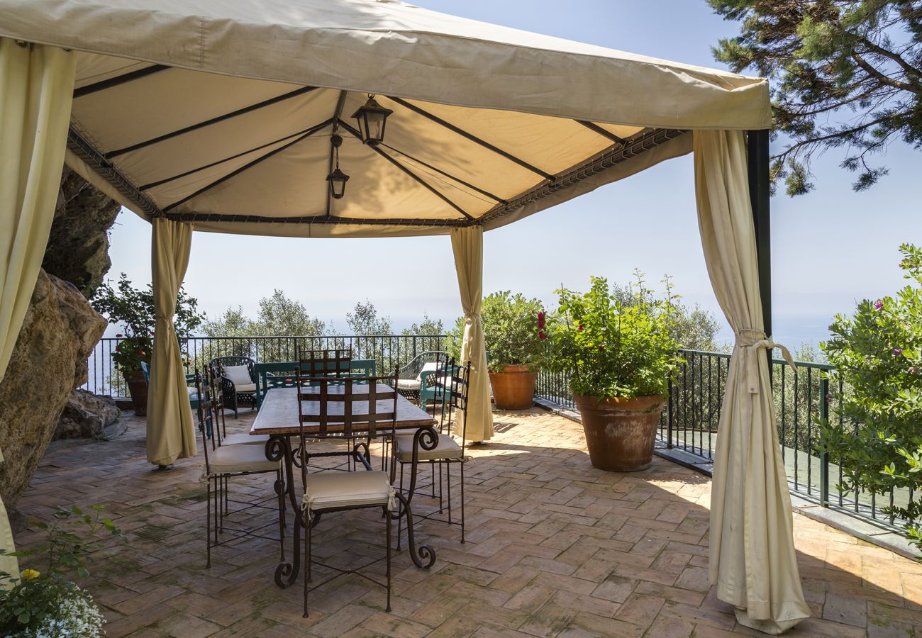 Villa in Vico Equense - AMORE RENTALS -Villa Era with Swimming Pool, Sea View, Terraces and Parking
