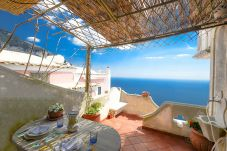 House in Positano - Casa Coni with Sea View, Terrace and Air Conditioning
