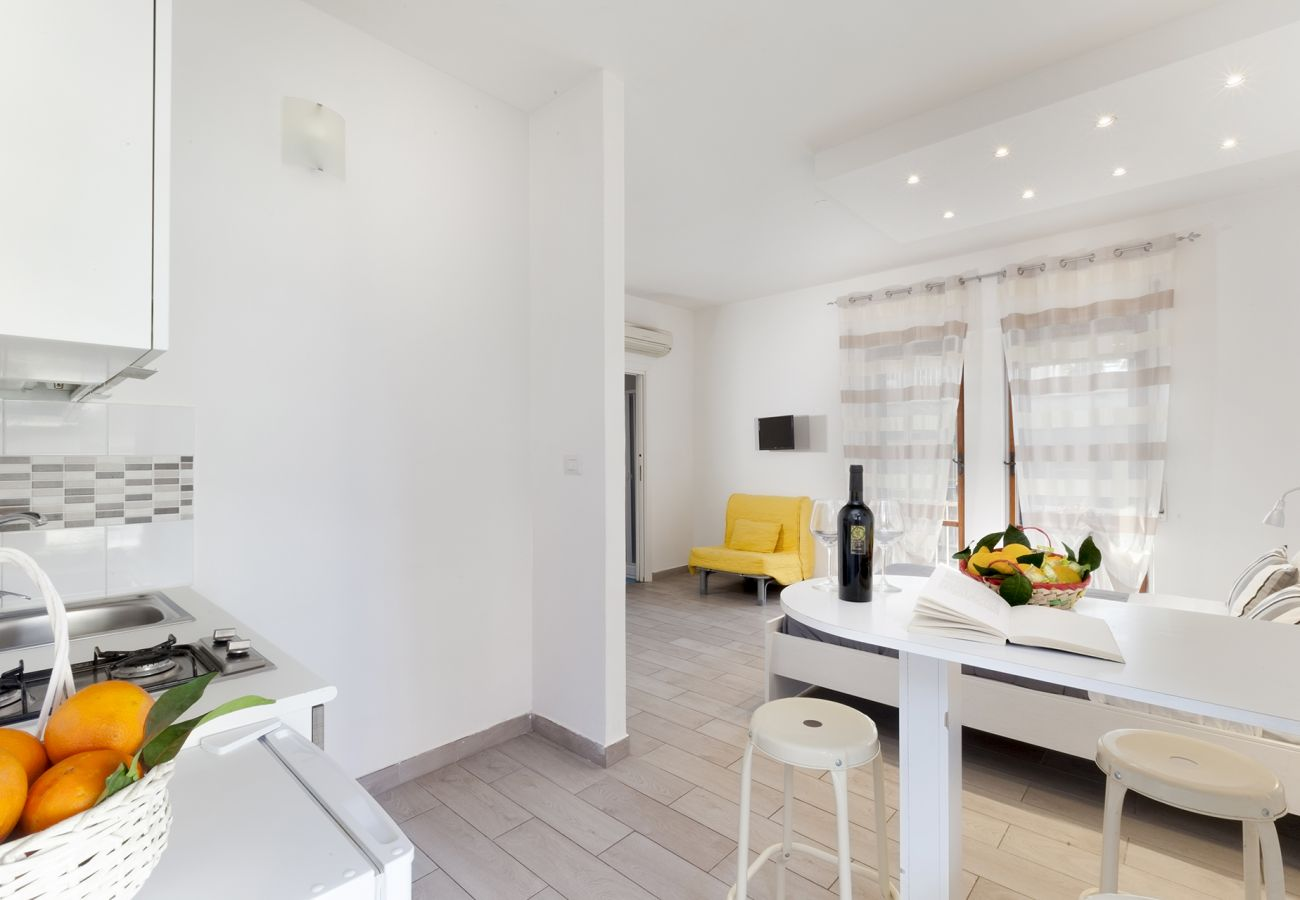 Apartment in Sorrento - Appartamento Central C with Air Conditioning and Heating