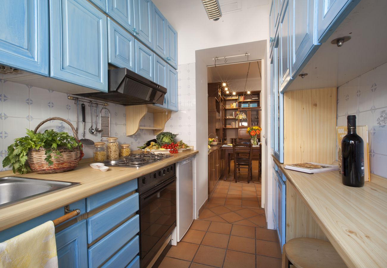 Apartment in Sorrento - Appartamento Leila a Few Steps Away from the Beach