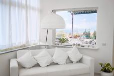House in Meta - Casa Le Muse di Sorrento with Terrace, Sea View and Air Conditioning