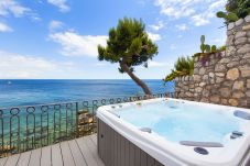 House in Nerano - Casa Giovanna A with Terraces, Jacuzzi, Sea View and Direct Sea Access
