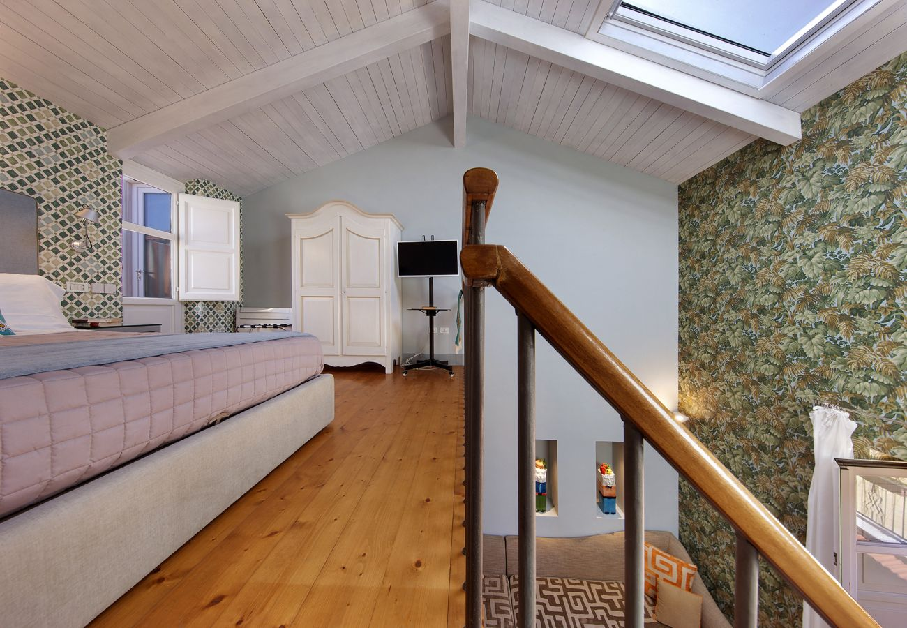 House in Sorrento - AMORE RENTALS - Casa La Maisonette with Air Conditioning, Balcony and Internet WI-FI