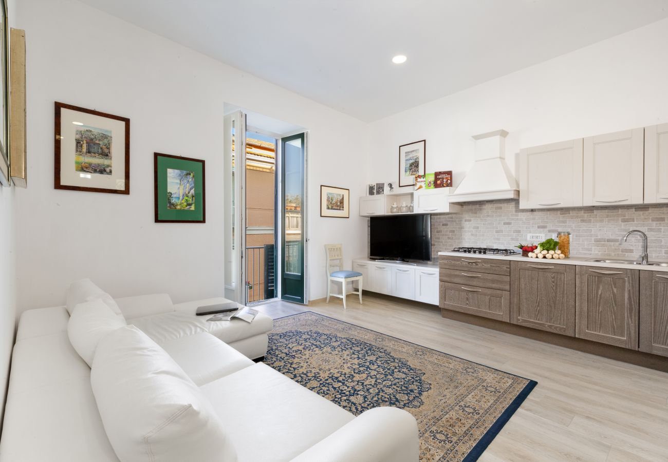 Apartment in Sorrento - Appartamento Daniela 1 with Air Conditioning and Internet WI-FI in Pizza Tasso