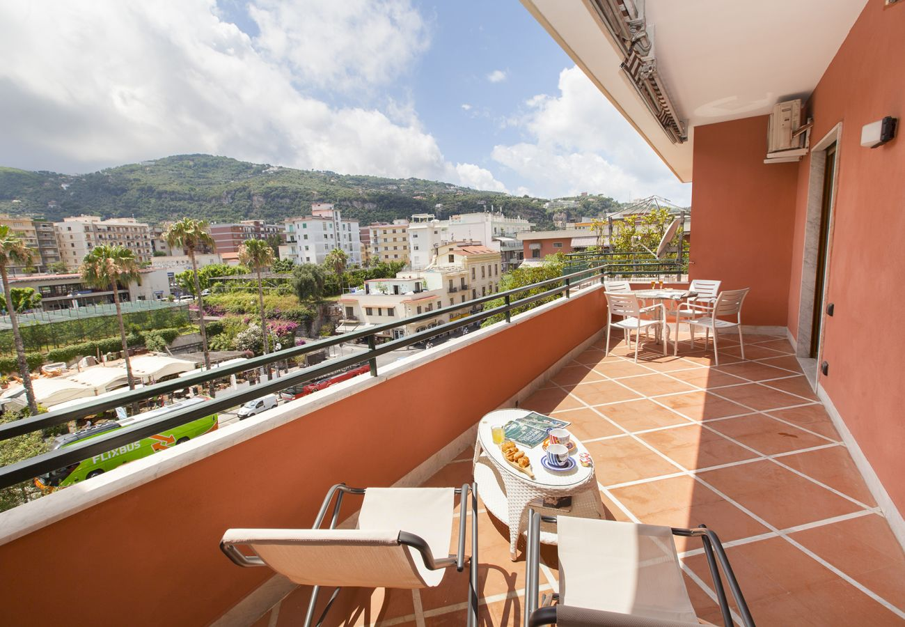 Apartment in Sorrento - AMORE RENTALS - Casa Katia with Private Terrace, Air Conditioning and Internet Wi-Fi