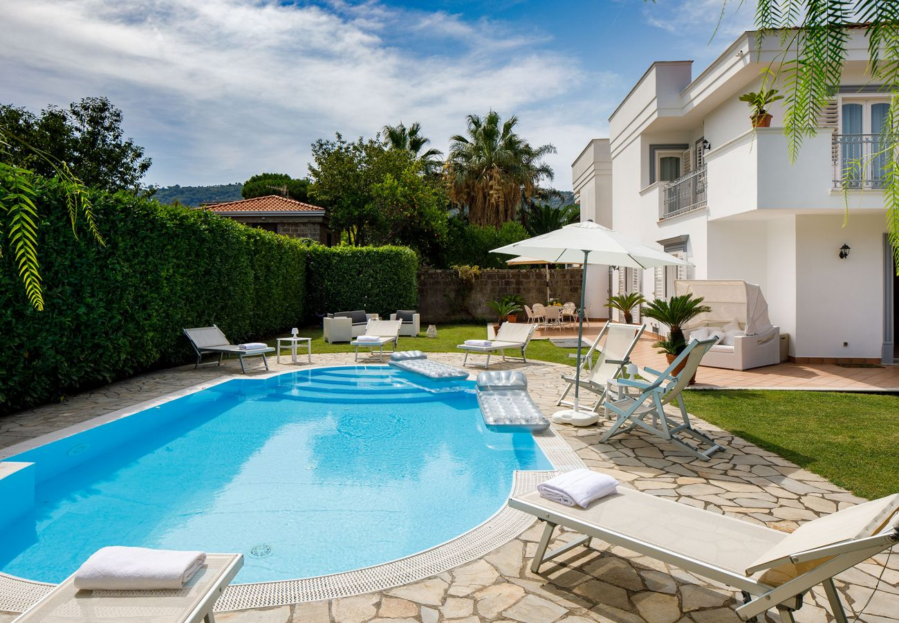 Villa in Sant´Agnello - Villa Lia with Private Pool, Garden and Parking