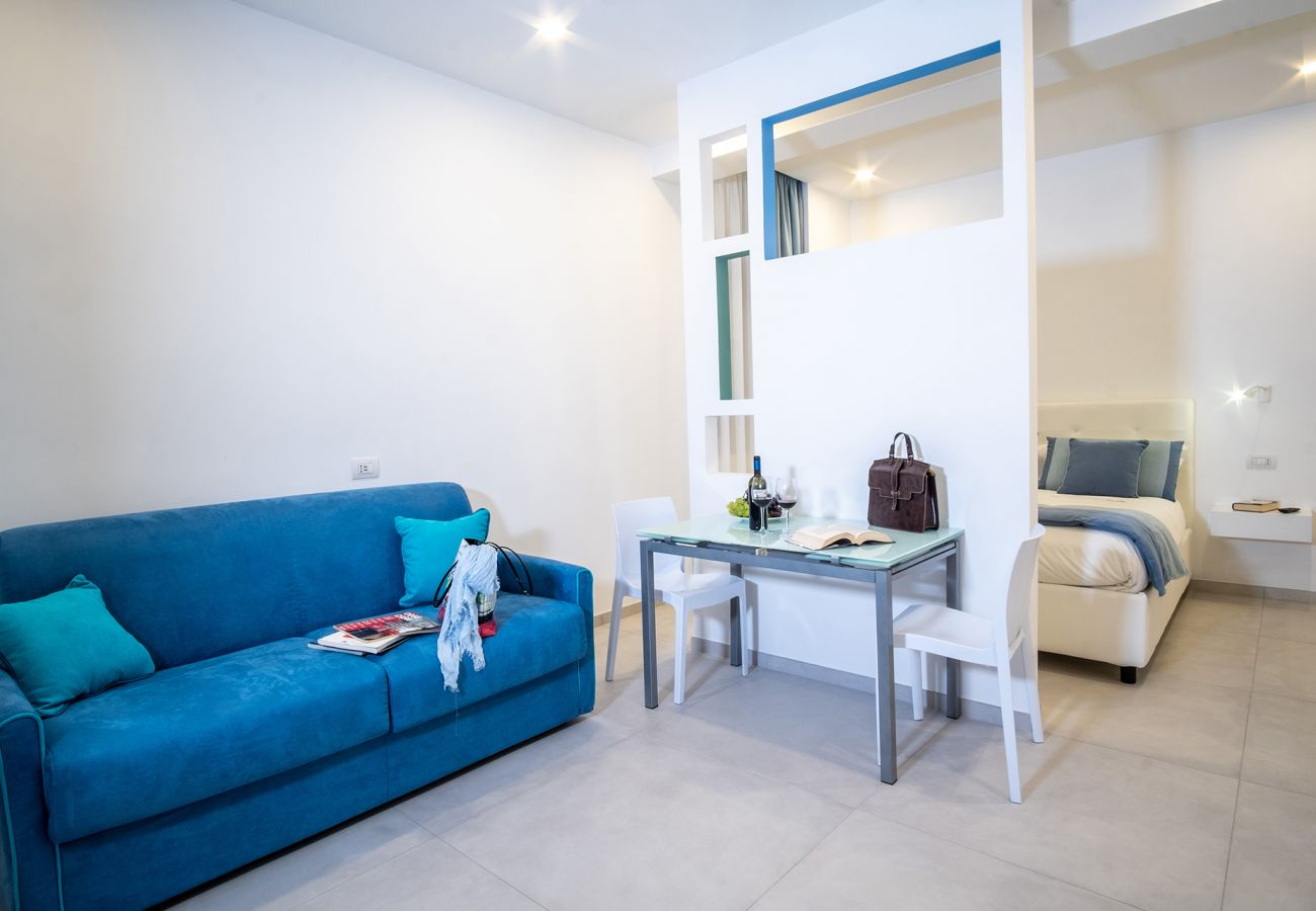 Apartment in Sorrento - Appartamento Leone Rosso with Private Terrace, Air Conditioning and Internet Wi-Fi