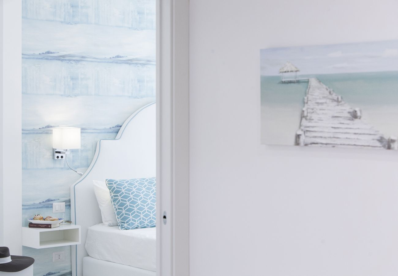 Apartment in Sorrento - AMORE RENTALS - Sara Home 2 with Private Terrace, Air Conditioning and Internet Wi-Fi