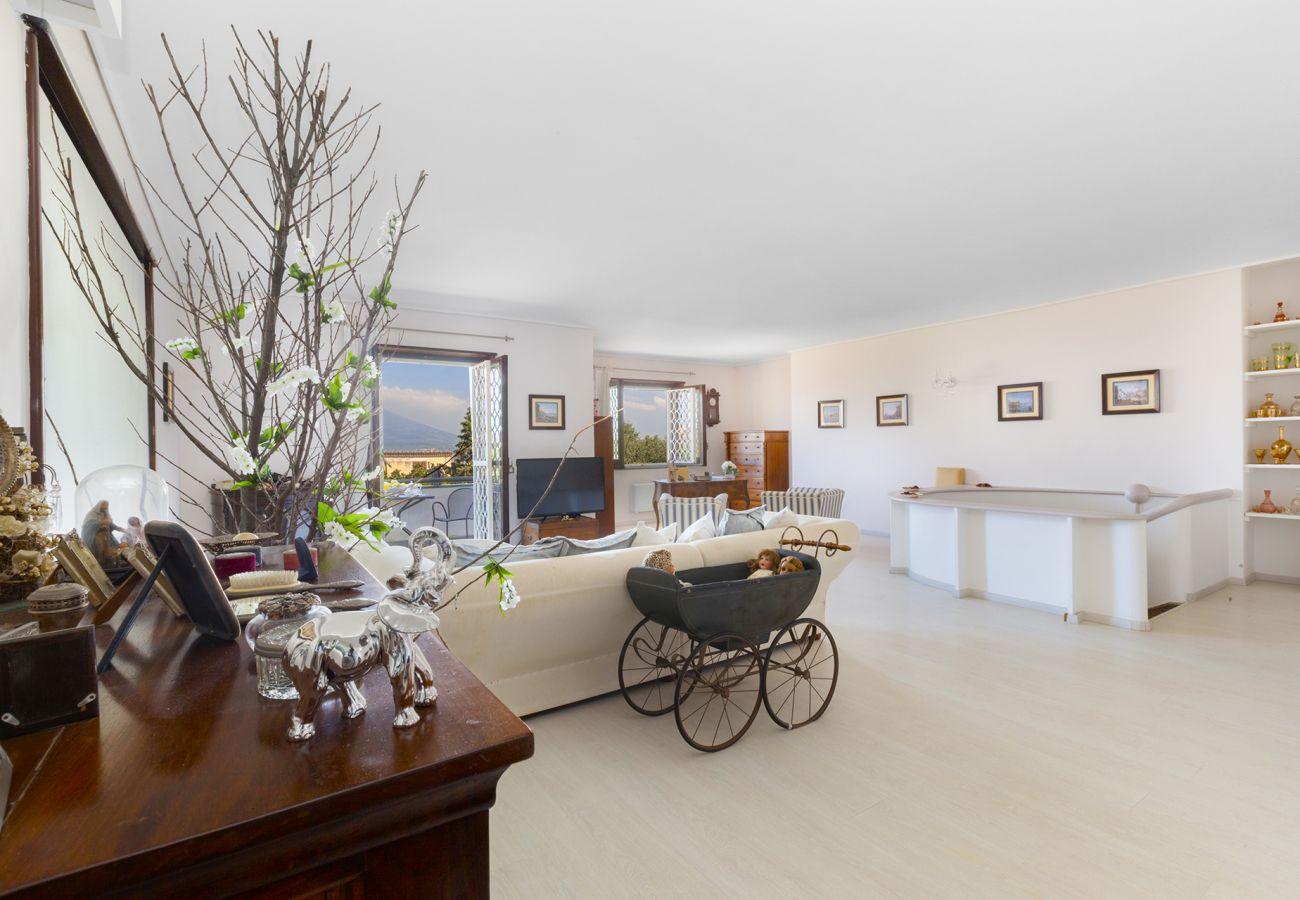 Villa in Castellammare di Stabia - AMORE RENTALS - Villa Panorama with Sea View, Private Swimming Pool, Garden and Parking