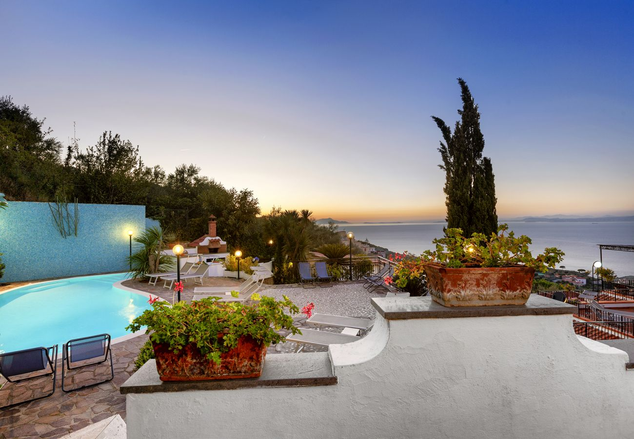 Villa in Sorrento - AMORE RENTALS - Villa Bianca with Private Swimming Pool, Sea View, Terraces, Parking and Barbecue