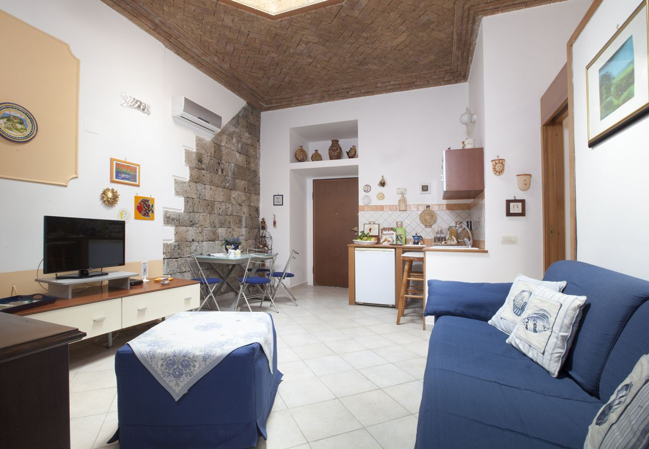 Apartment in Sorrento - AMORE RENTALS - Casa Tiziano with Air Conditioning in Sorrento Centre