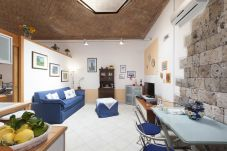 Apartment in Sorrento - Casa Tiziano with Air Conditioning in Sorrento Centre