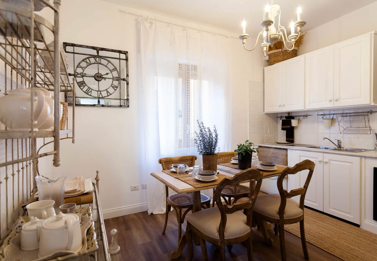 Apartment in Sorrento - AMORE RENTALS - Appartamento Adelaide with Private Terrace, Air Conditioning and Parking