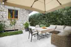 Apartment in Sorrento - Appartamento Sorrento Suite de Charme with Terraces, Garden, Air Conditioning and Internet Wi-Fi